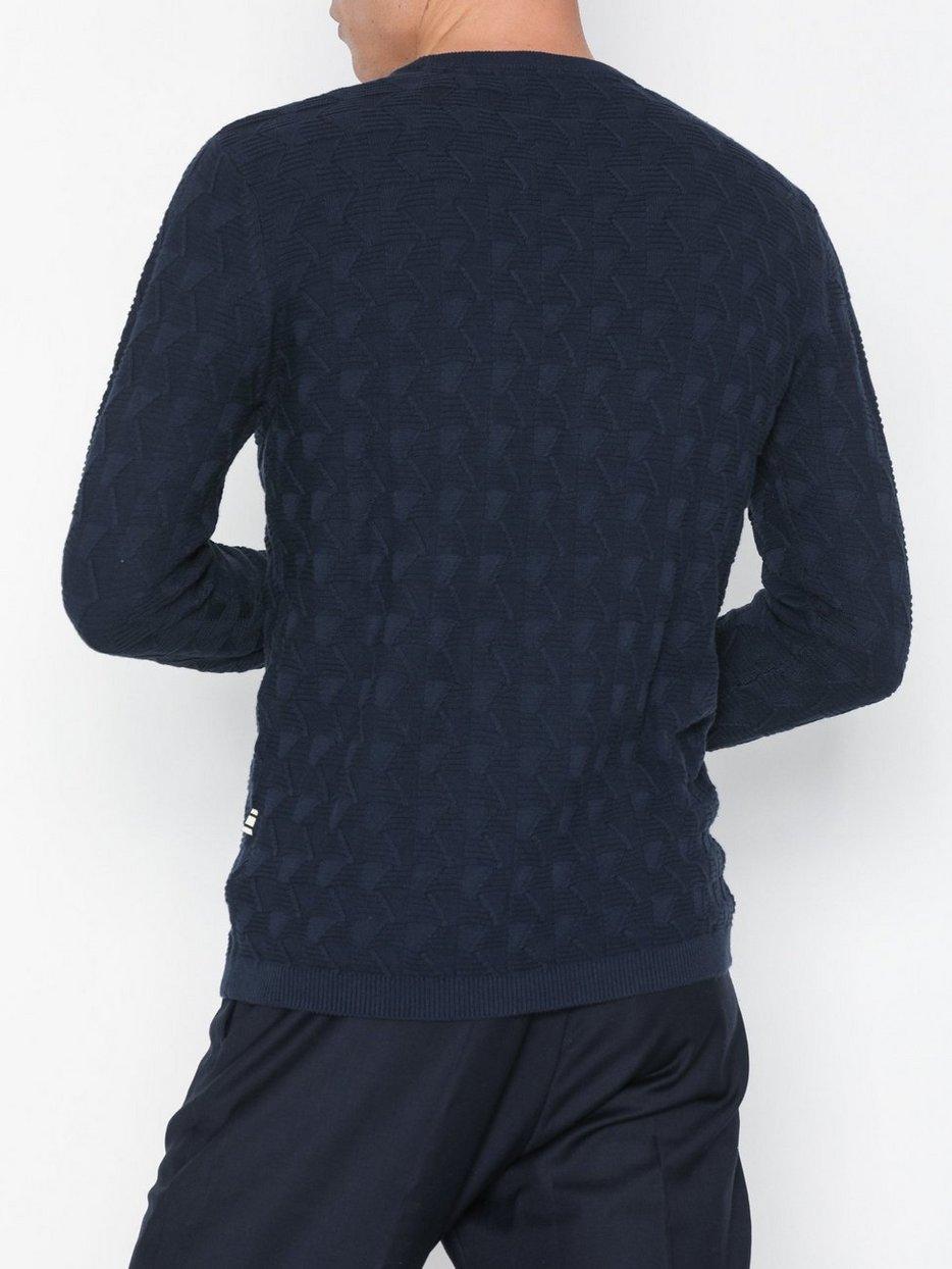 Knit - Gustav