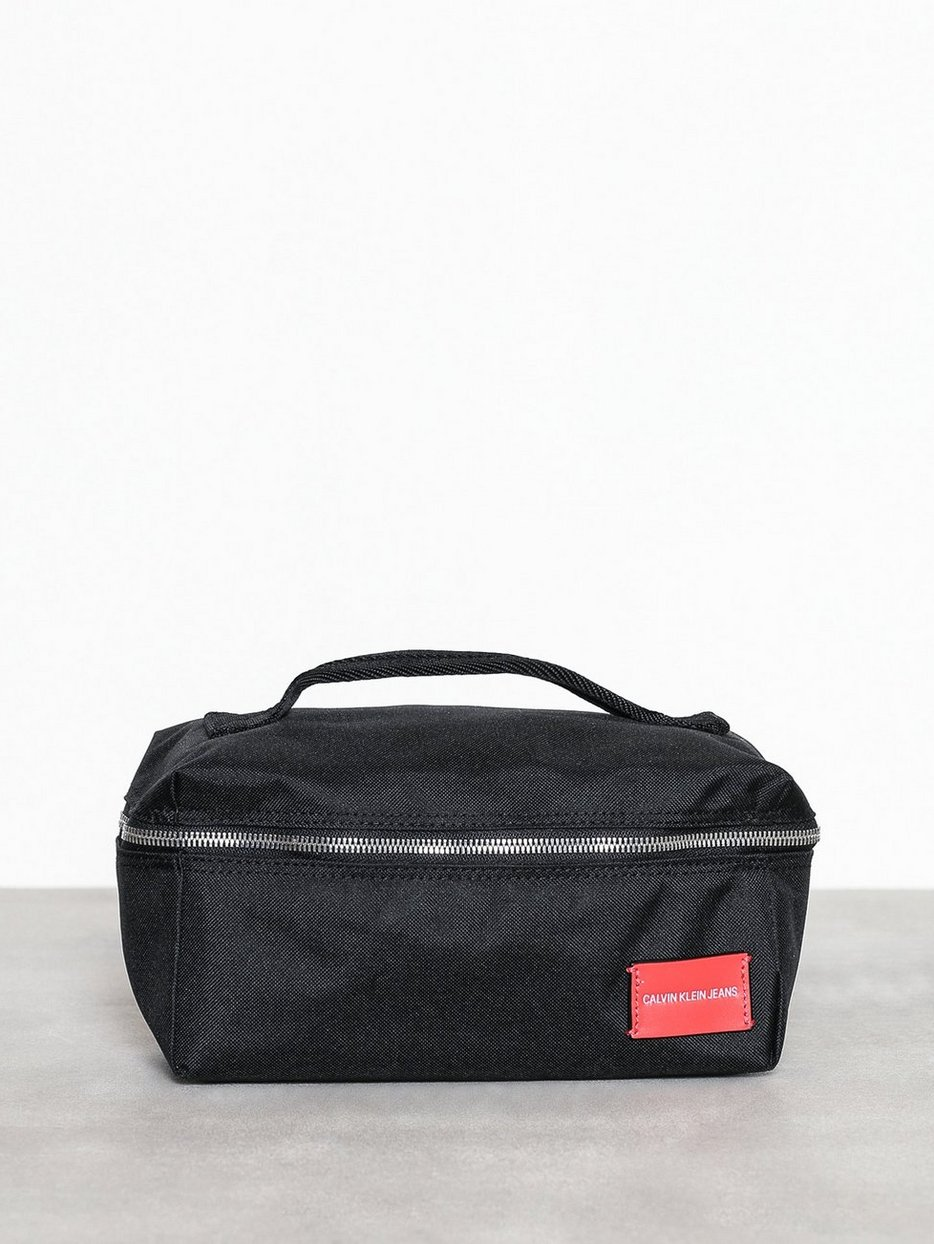 SP ESSENTIAL+ WASHBAG