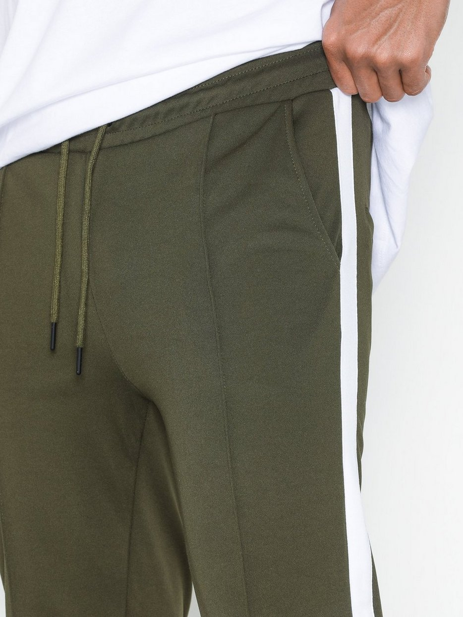 onsOWEN CROPPED CHINO SWEATPANTS