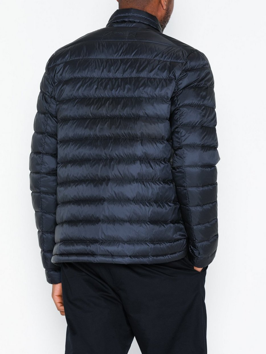 D1. THE LIGHT DOWN JACKET