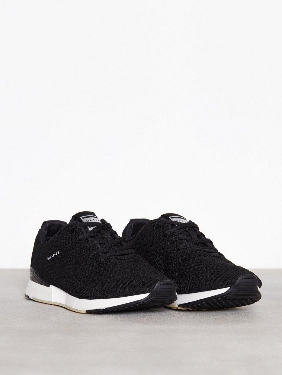 Andrew Sneaker