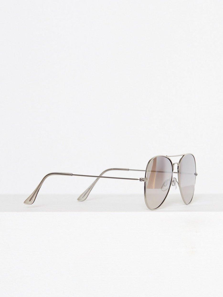 Silver Hunter Aviator Sunglasses