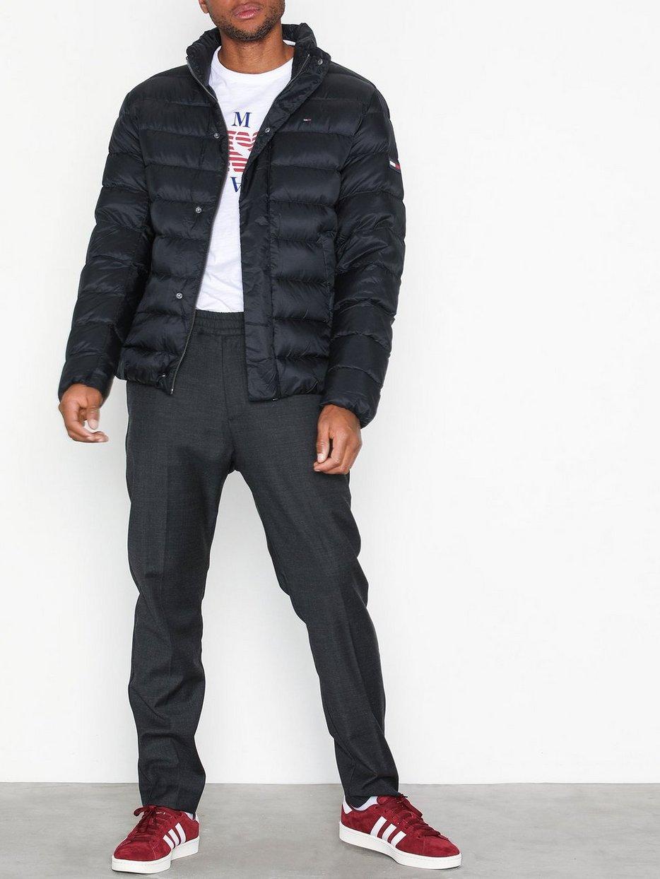online store a5f29 58ff1 Jeans Tjm Light Down Jacket Mann Svart Klær Tommy Jakker zHHIwx