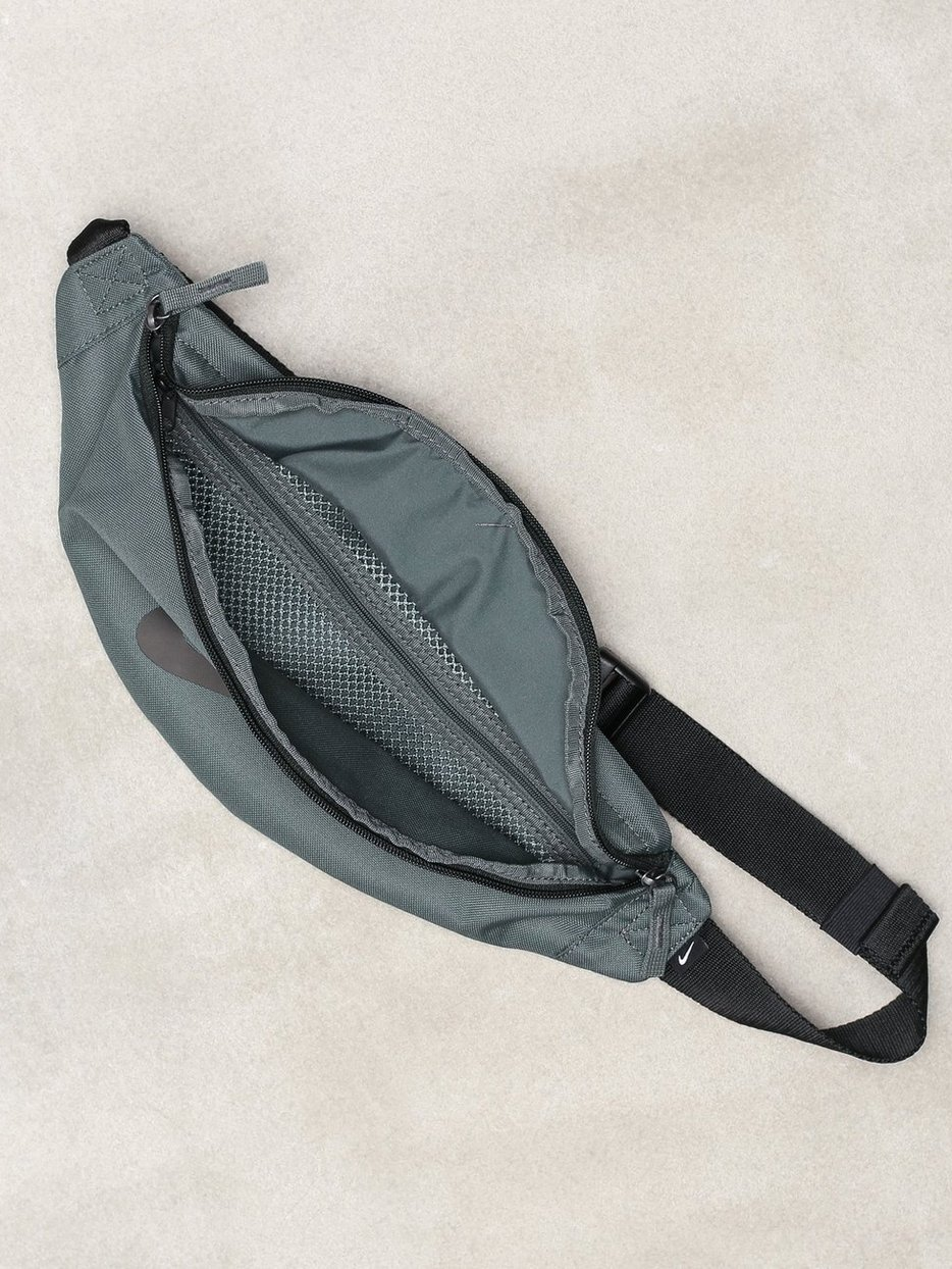 NK HERITAGE HIP PACK