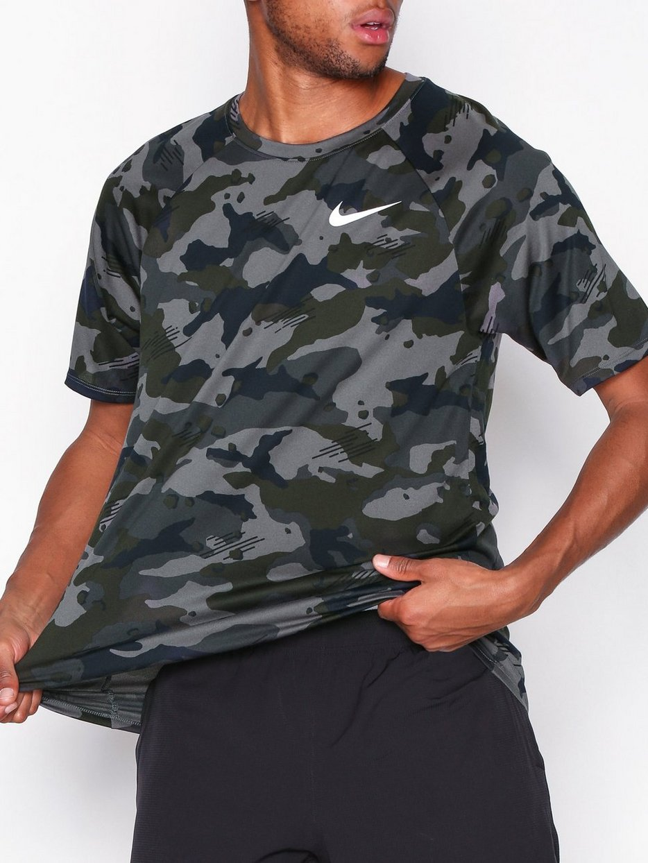 951ddecdf M Nk Dry Leg Tee Camo Aop - Nike - Dark Grey - Training T - Shirts ...