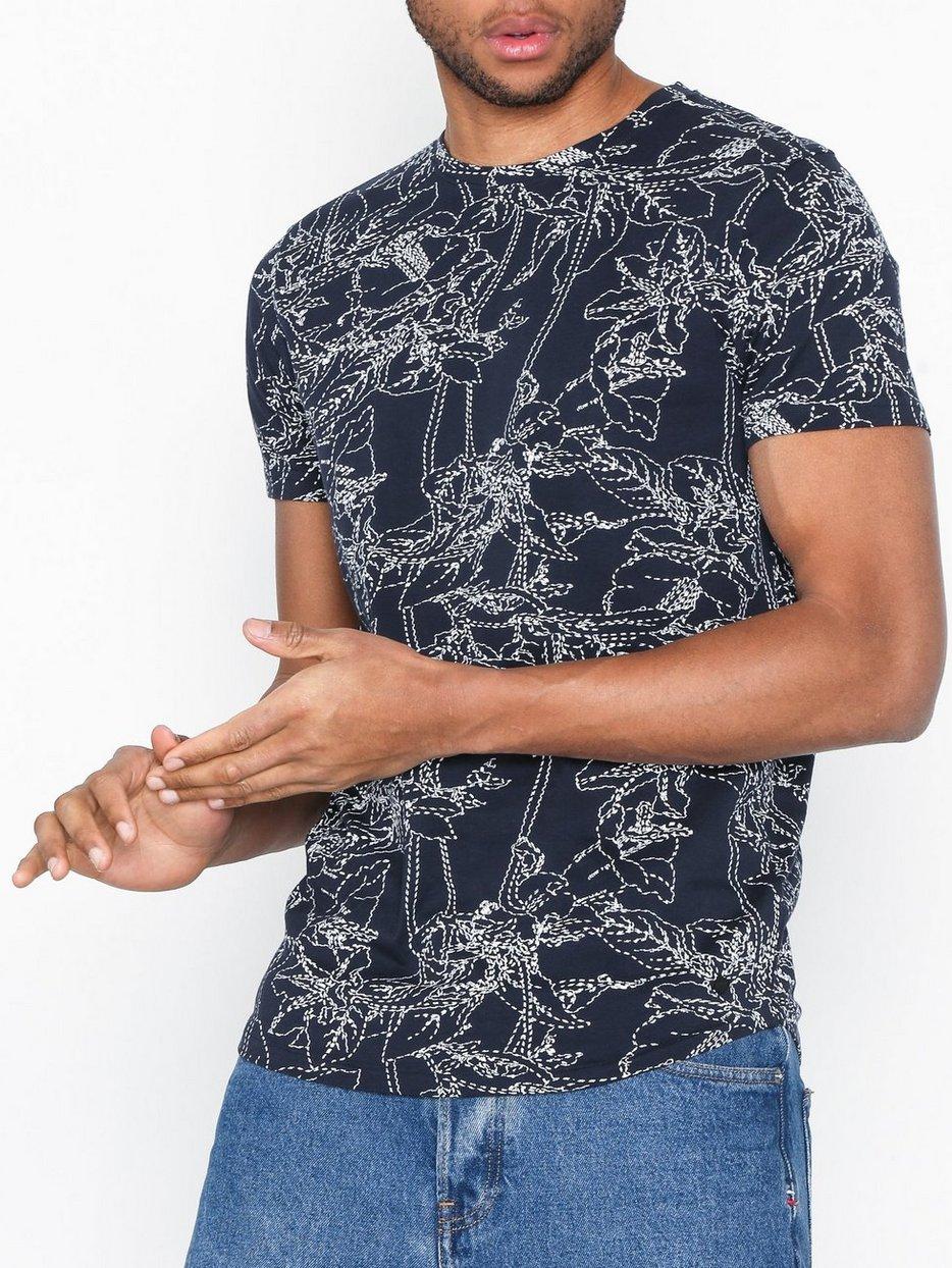 Amado T-shirt