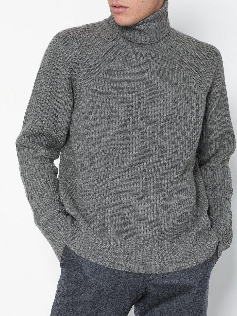 M. Winter Wool Turtleneck